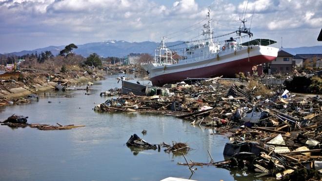 Boat-Floating-on-Debris-Ishinomaki-Higashi-Matsushima-Yamoto-Japan-Earthquake-Tsunami-Miyagi-2011
